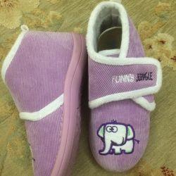 Pantofi pentru papuci acasă.