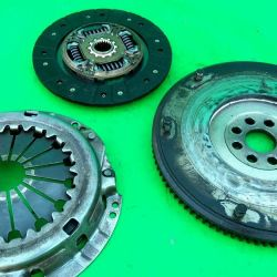 Clutch kit Toyota Avensis 2.0D 1997-2003