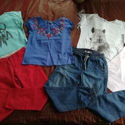 Παντελόνια τζιν και μπλουζάκια