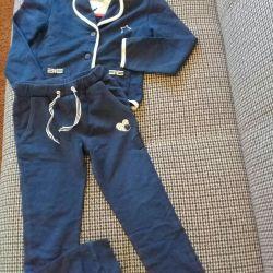 Трикотажный костюм для маленькой модницы