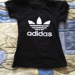 Selling T-shirt in excellent condition
