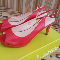 νέα παπούτσια (δυνατότητα ανταλλαγής)
