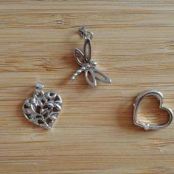 Silver pendants)
