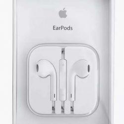 Original. Headphones EarPods Apple Phone.