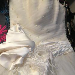 Платье свадебное (новое)