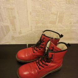 Ботинки красные 36