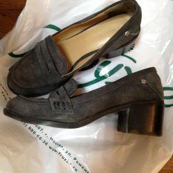 Παπούτσια μεγέθους 35