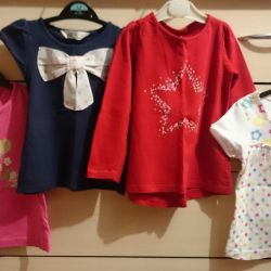 Blouses, T-shirts in the garden. 3-4 years