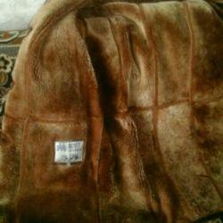 Ζεστό φυσικό παλτό από δέρμα προβάτου