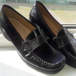 Γυναικεία παπούτσια, δέρμα