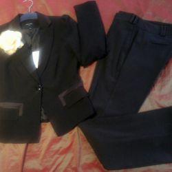 Νέο σακάκι και παντελόνι
