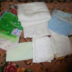 Set de lucruri pentru patul copilului