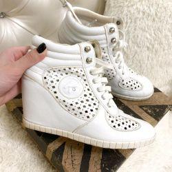 White Keddo Sneakers