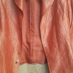 κοστούμι: σακάκι με φούστα midi