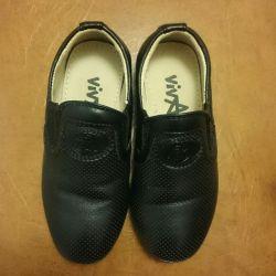 Туфли (ботинки) на мальчика 25 р.