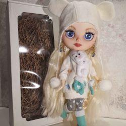 Blythe doll on the body of TBL custom