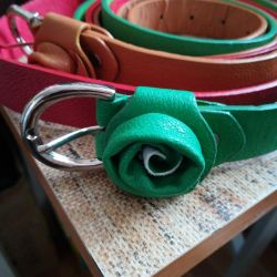 Belt with rose