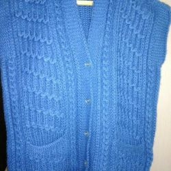 hand-knitted women's vest p.60