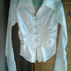 White blouse, 42 sizes.