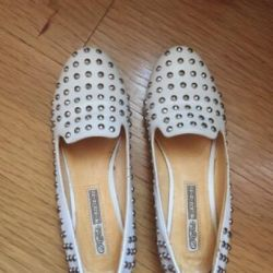 Loafere albe