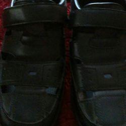 Παπούτσια για άνδρες μεγέθους 38