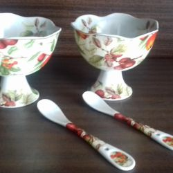 Vases with spoons