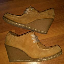 Suede Shoe Boots, women's shoes on the hill. Shoes