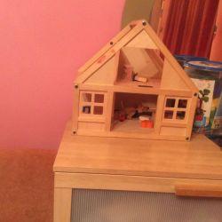 Продам домик деревянный игрушечный