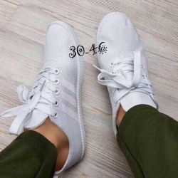 New women sneakers