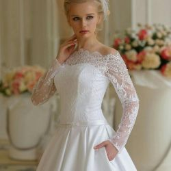New wedding dress with sleeves