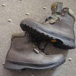 mountain trekking boots