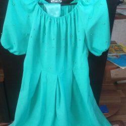 Πουλάω ένα φόρεμα
