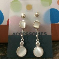 A set of earrings for silver. New.
