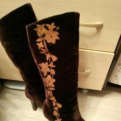 Velvet boots 👢