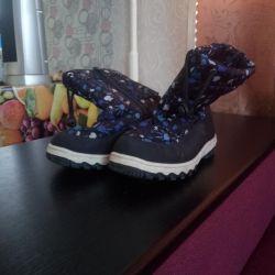 Χειμερινές μπότες για ένα κορίτσι