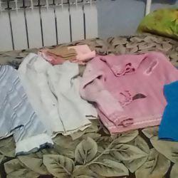 Ένα πακέτο ρούχων για ένα κορίτσι