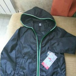 Children's windbreaker, new.