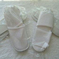 Λευκές παντόφλες