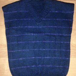Sleeveless jacket for a new boy. For 5-6 years.