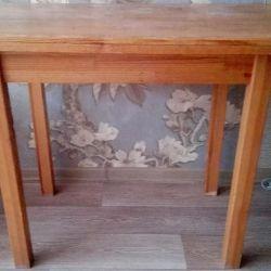 Ξύλινο τραπέζι που χρησιμοποιείται ή ανταλλαγή