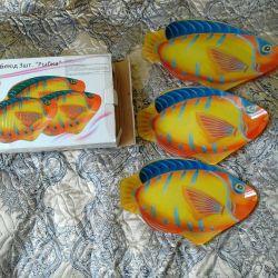 Ένα σύνολο πιάτων ψάρι