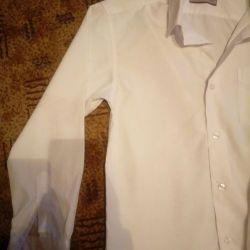 Біла сорочка.