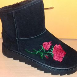 NEW ugg boots with embroidery