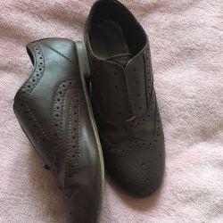Μπότες / χαμηλά παπούτσια