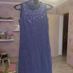 Είναι μάλλινο φόρεμα