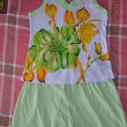 4.5 yaşındaki bir kız için çok sevimli bir takım elbise