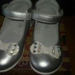 Туфельки новые 25 размер