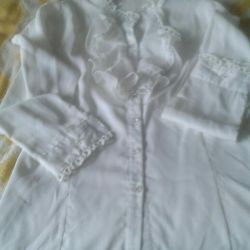 Blouse for a girl of 8 9 years old in excellent condition