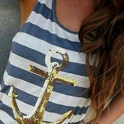 T-shirt with a gold anchor, new