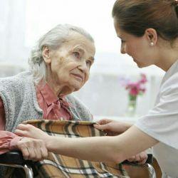Φροντίδα για ένα ηλικιωμένο άτομο